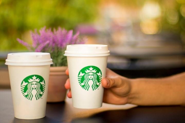 Starbucks plastic coffee cups