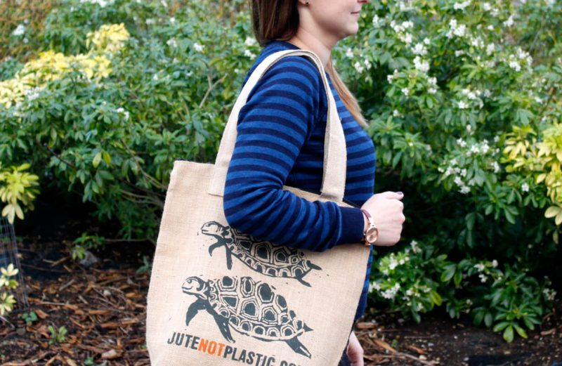 Two turtles jute shopping bag